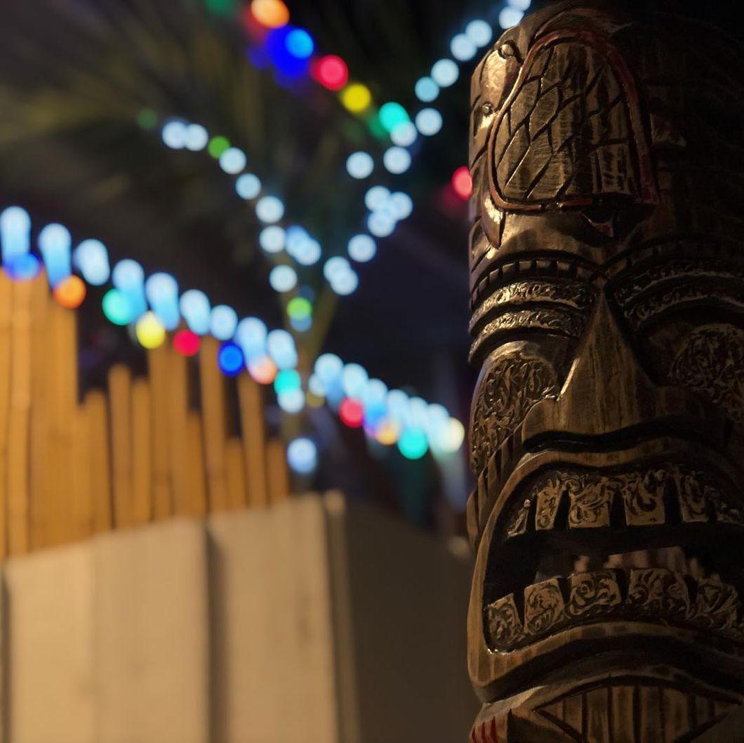 Friki Iki Tiki Christmas Banner Image