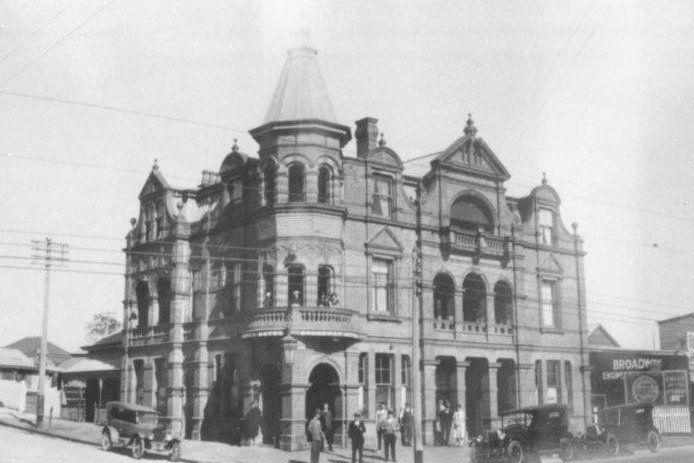 The Broadway Hotel (source: Lost Brisbane Facbook Group)