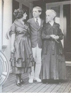 Charles Ponzi with wife Imelde and mother