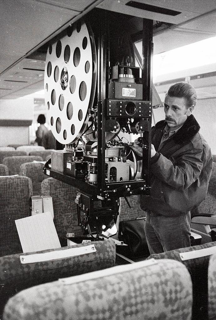Filmprojektor im Flugzeug