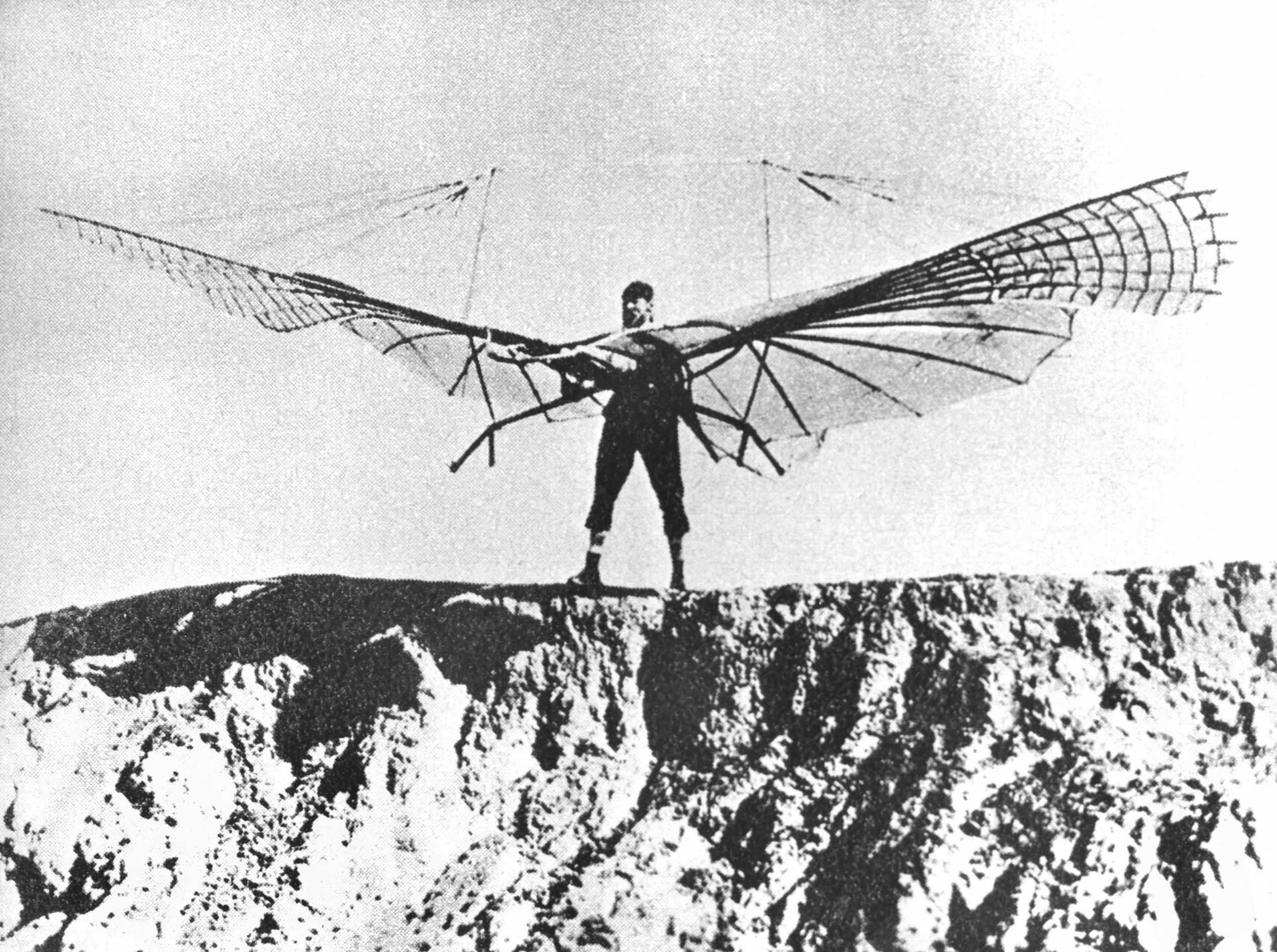 Otto Lilienthal mit Flügelschlagapparat am 16. August 1894