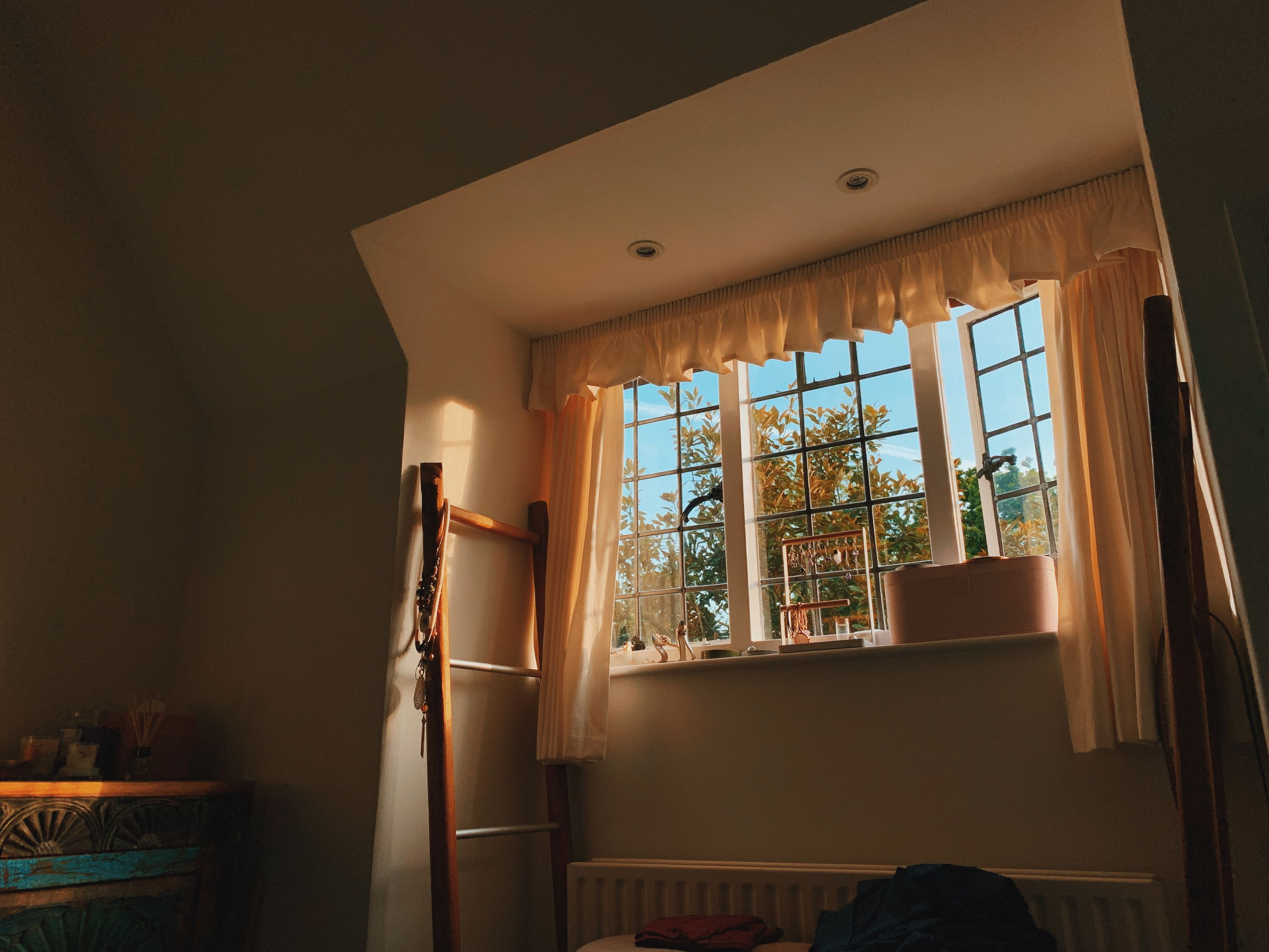 early afternoon light in the bedroom