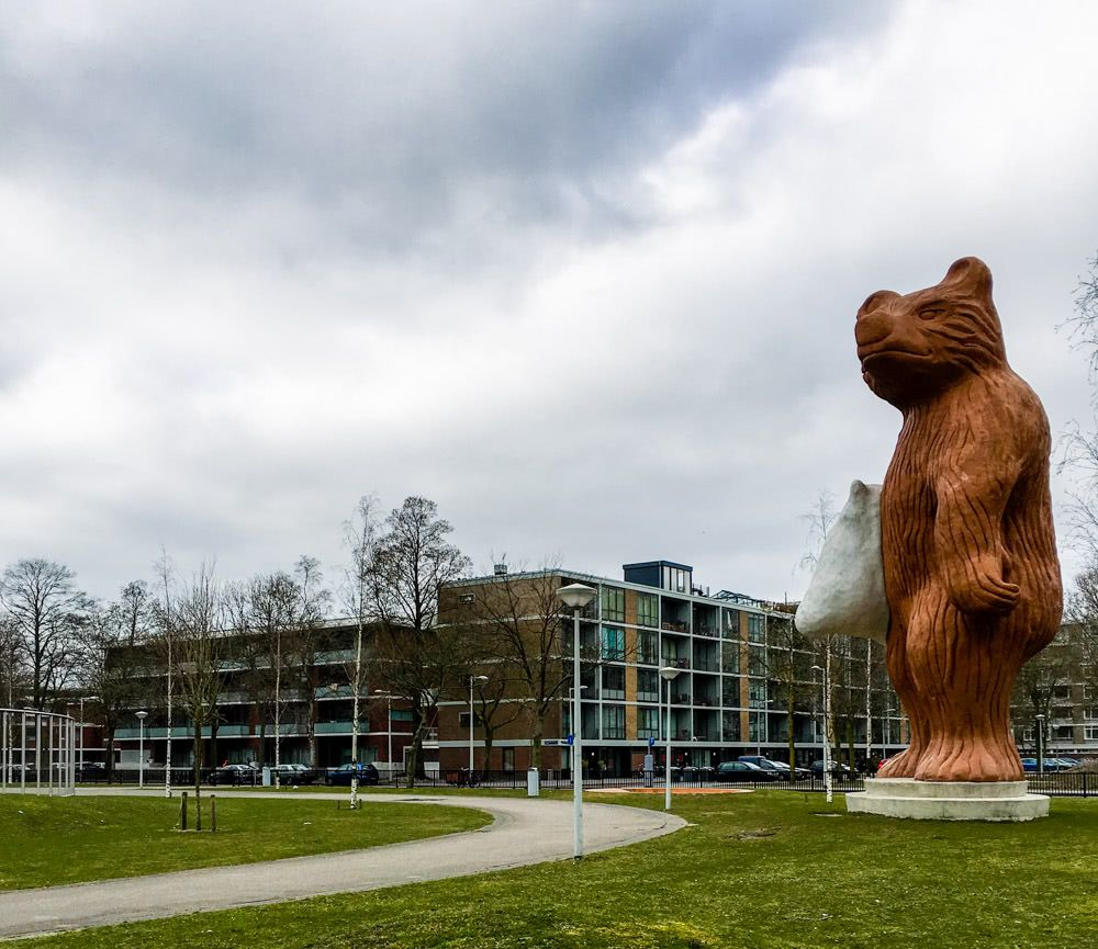 The statue of a Grizzly Bear on the way to the exam center