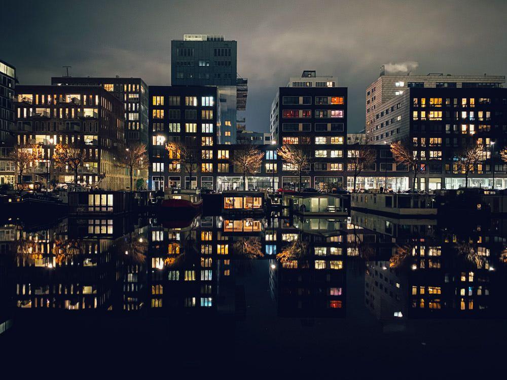 Westerdok on a still Dec night