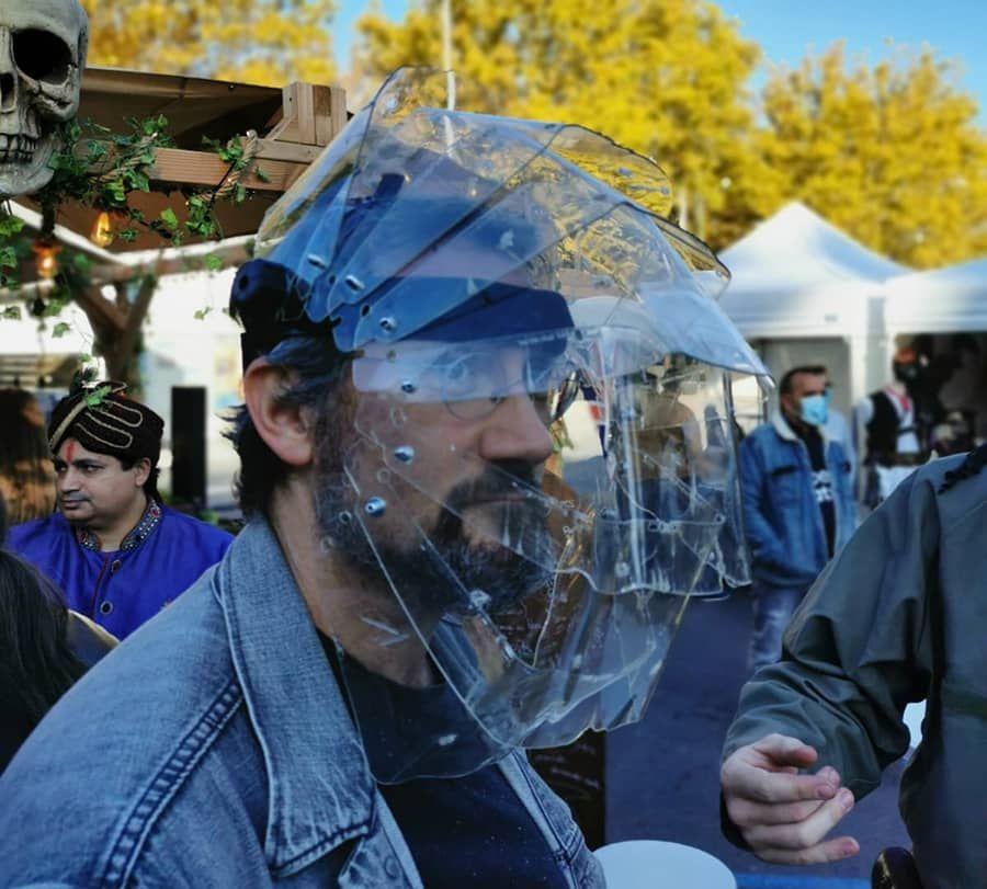 Un casque futuro-steampunk en cours de réalisation par Benjamin «Blackflames»