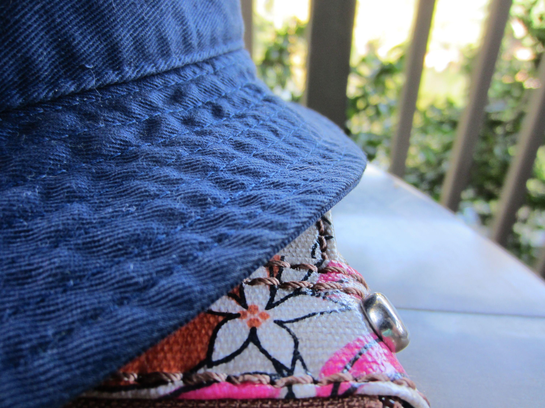 hat on purse