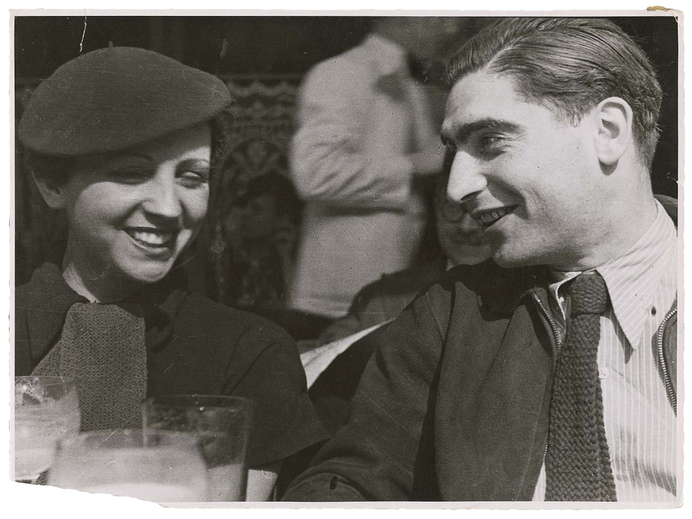 (fig. 5: A rare picture ofRobert Capa and Gerda Taro, together)
