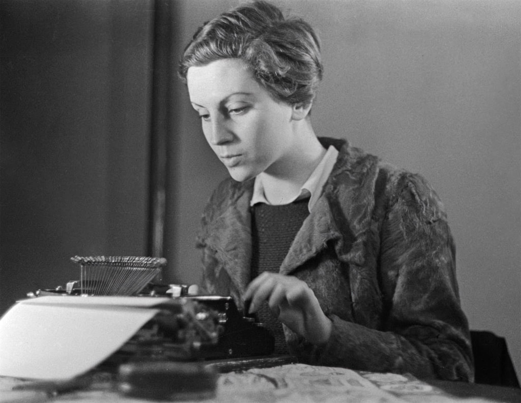 (fig. 1: Gerda Taro)