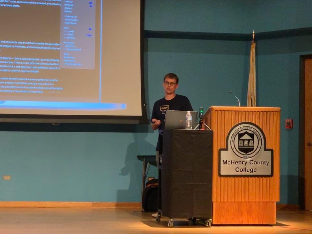 Mike Schmitz presenting at Macstock